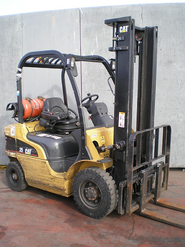 LPG Caterpillar GP25N used forklift