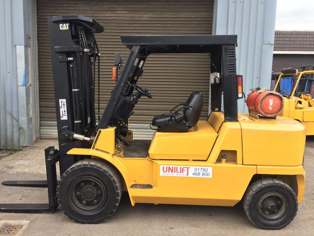 LPG Caterpillar GP50K used forklift