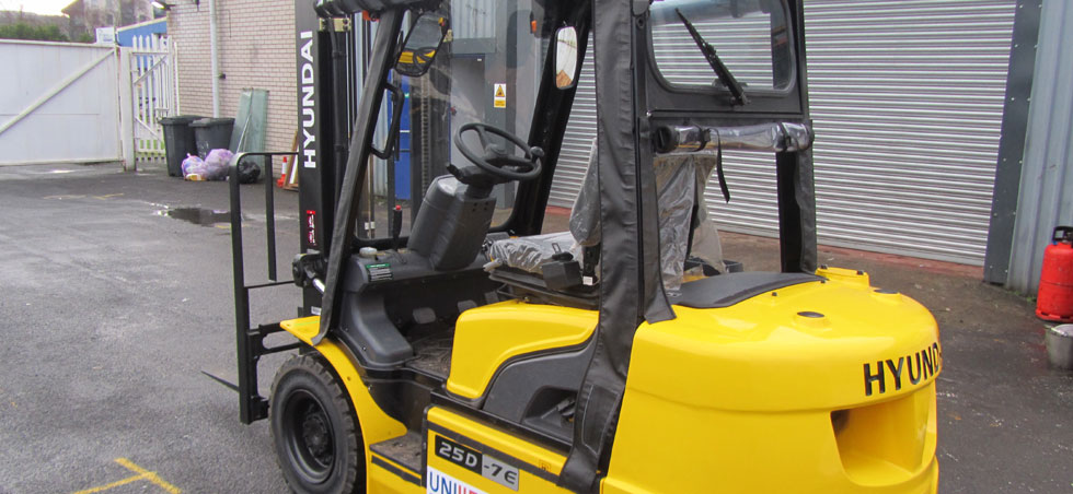Rental forklift trucks