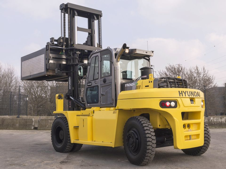 Hyundai 110D-9 heavy counterbalance forklift truck new