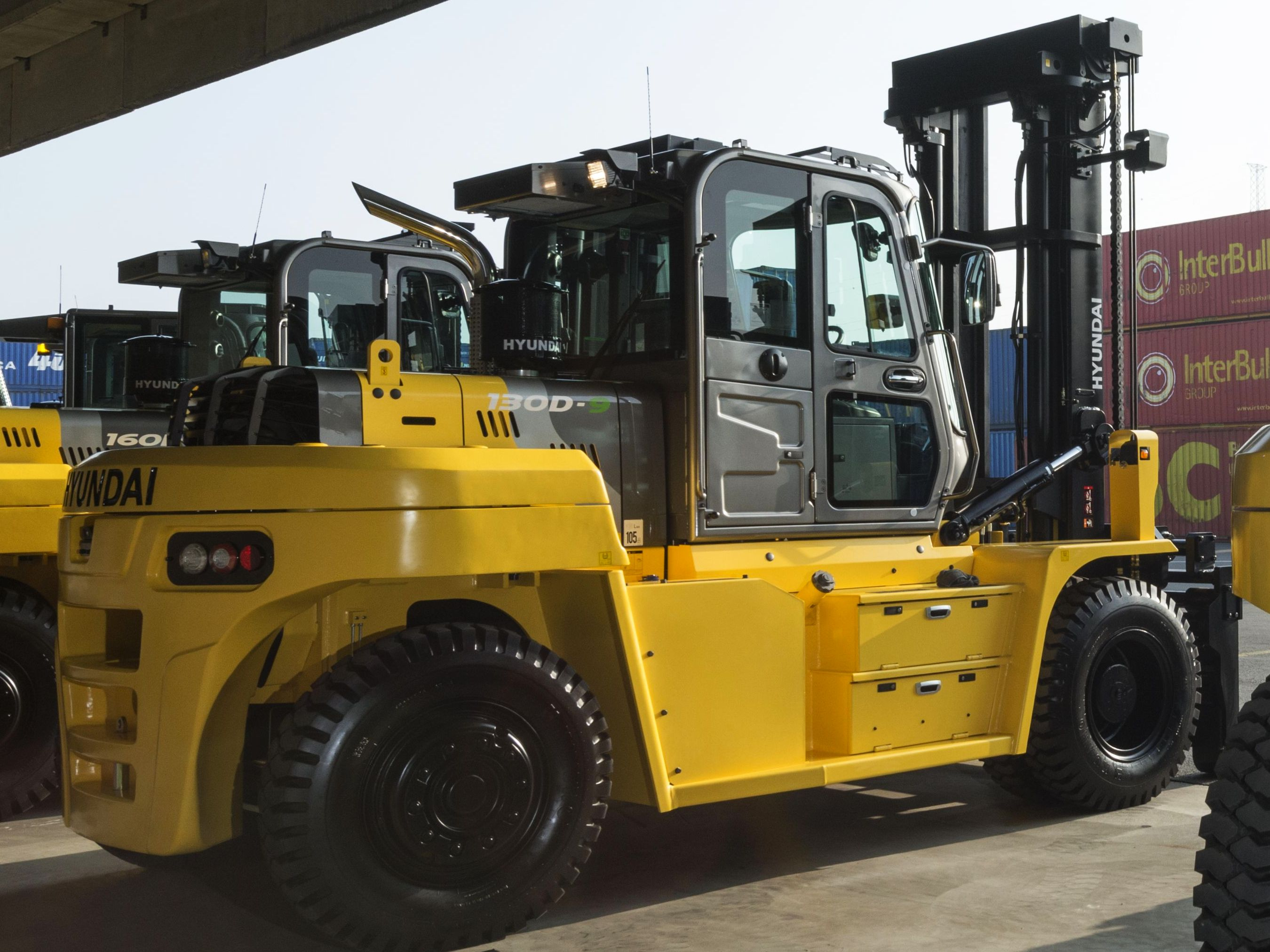 When to replace your forklift tyre