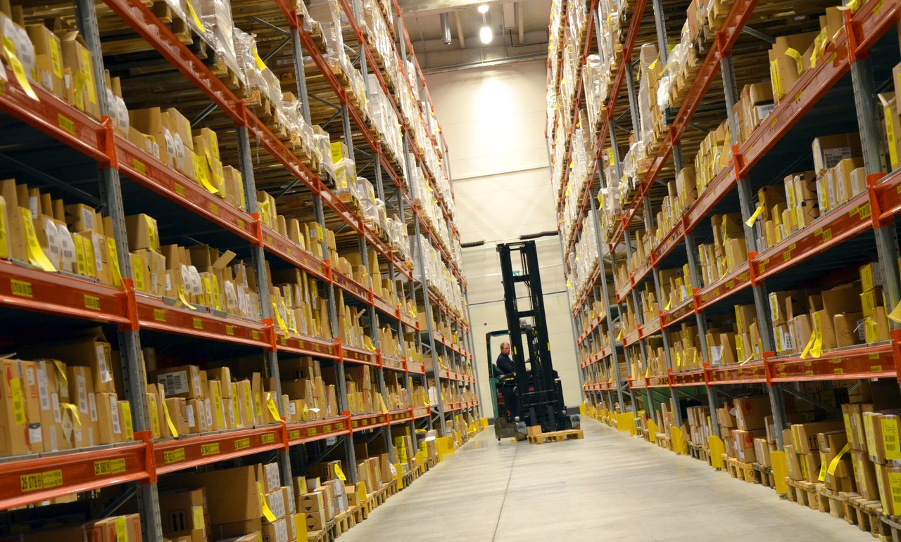 What is the correct battery voltage for your electric forklift truck